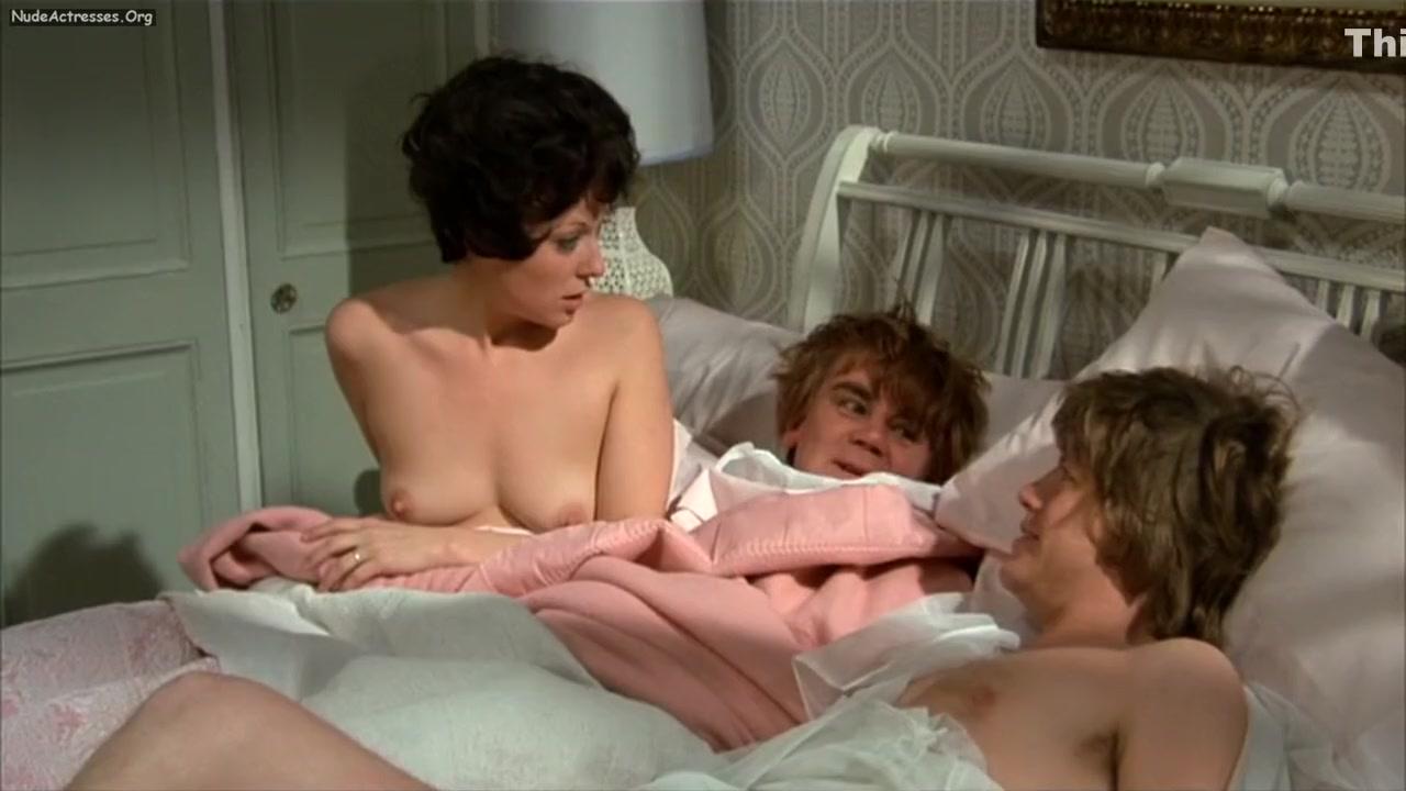 girls getting cum on by girls Nude photos