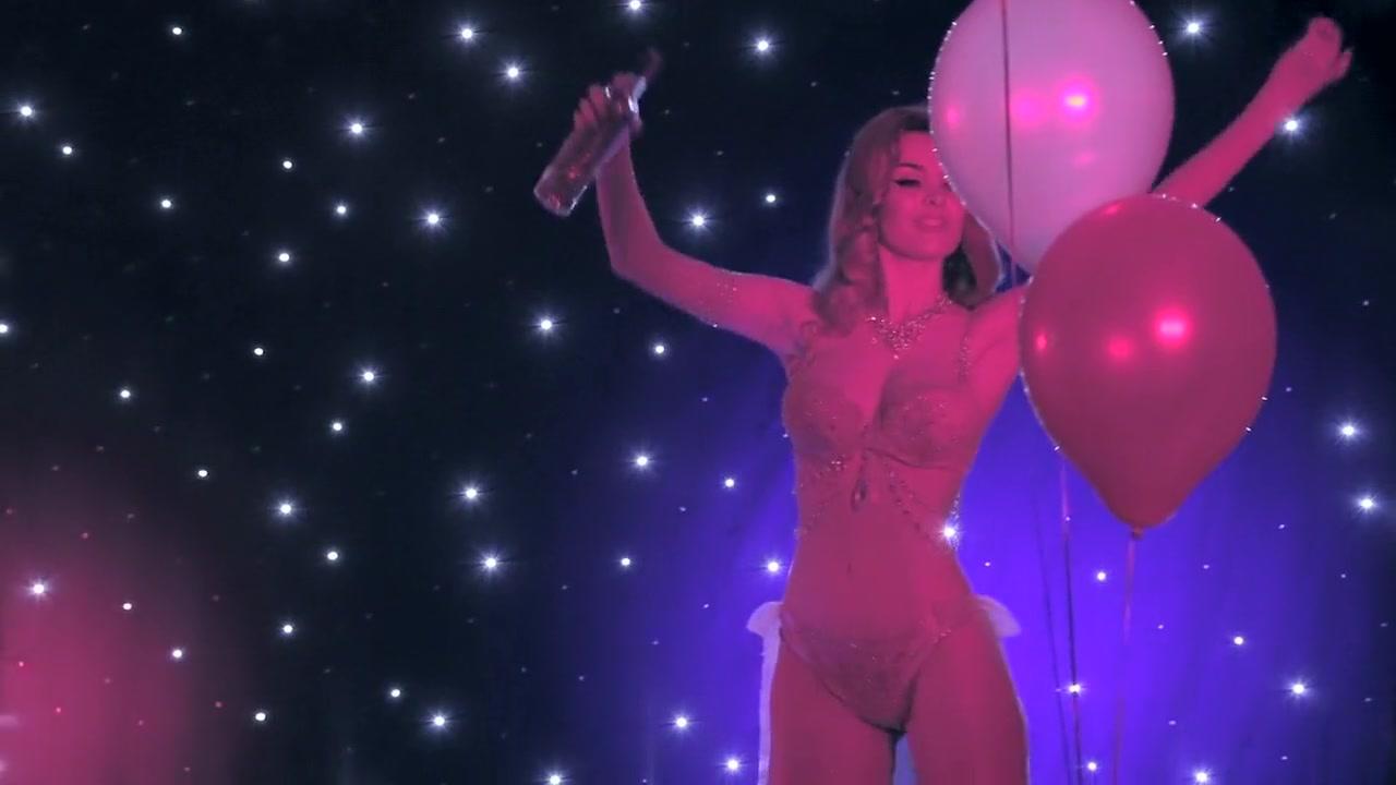 Burlesque Strip SHOW 29 Miss Indigo Blue Nude