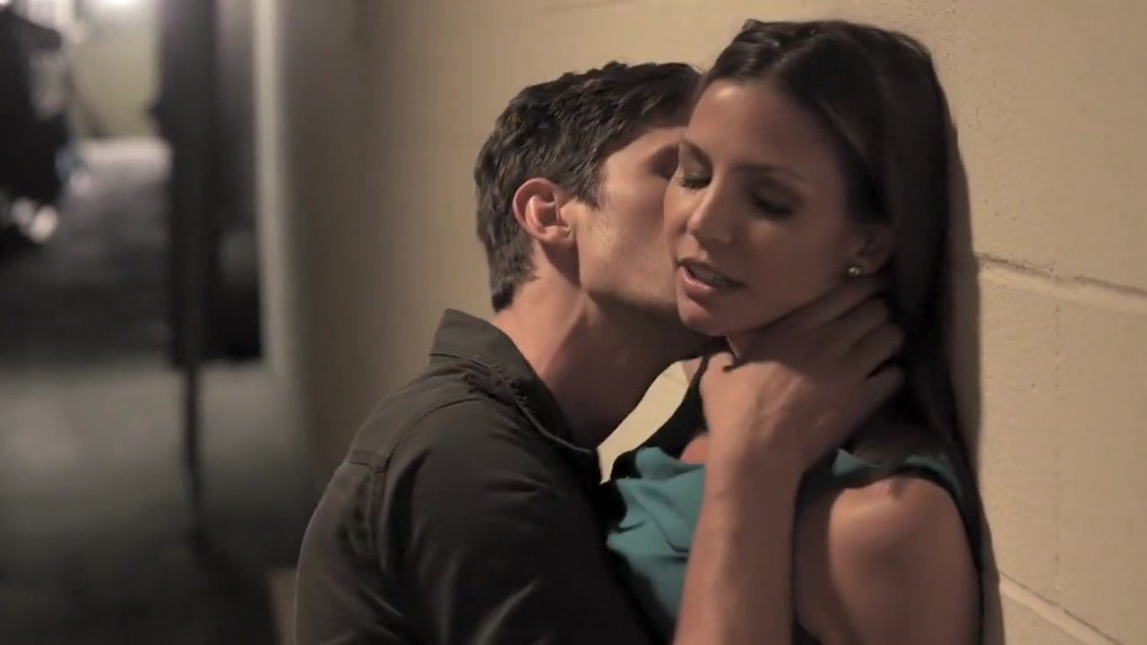 Charisma Carpenter in Bound (2015) Cost to hook up to city water