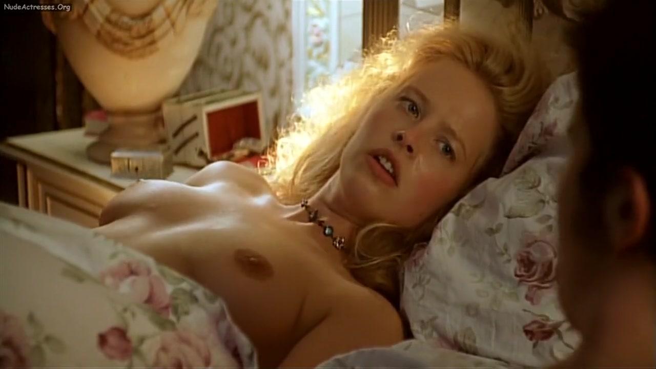 Weir and mai davika dating advice Hot Nude