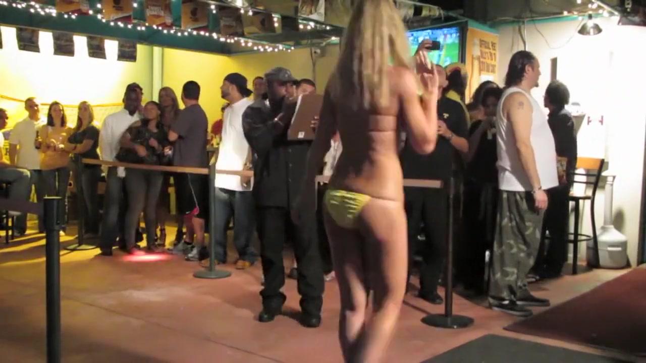 Porn Pics & Movies Blonde Masseuse Decides To Punish Horny Bastard