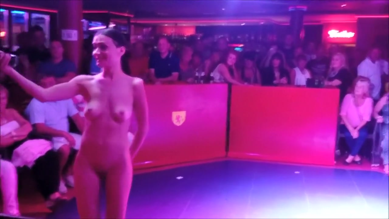 Good Video 18+ Hot looking chicks
