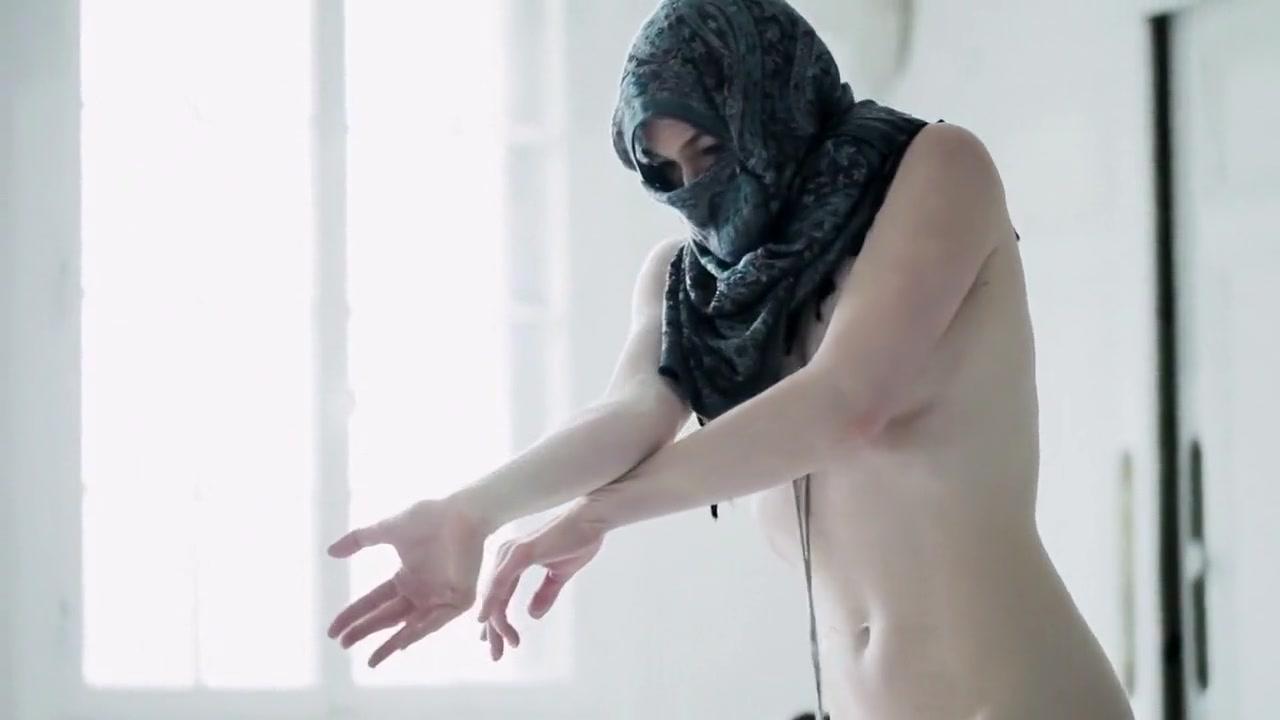 Smosh food battle 2019 latino dating Porn pic
