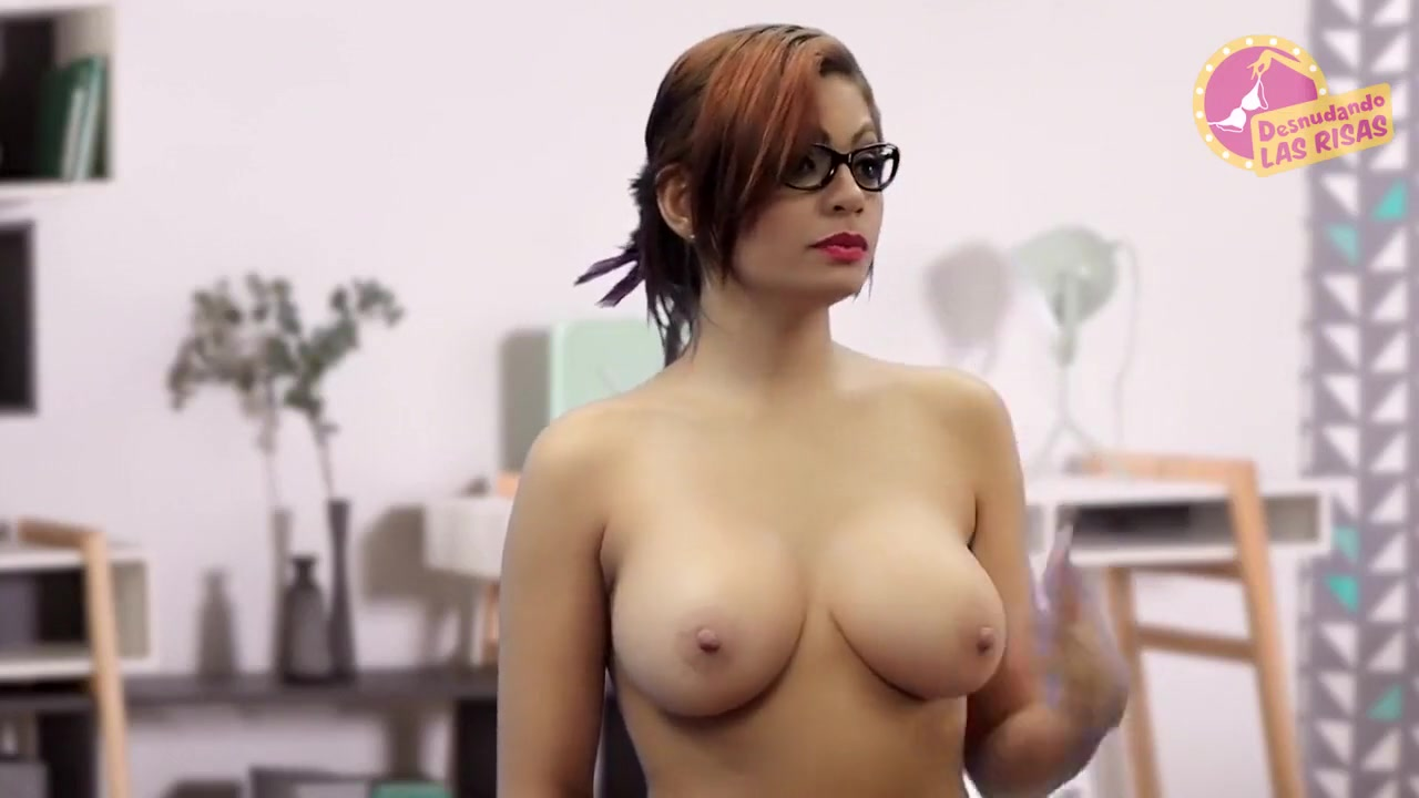 Paparazzi-Naked Hollywood Actresses-002 Desnuda Mature women showing pussy
