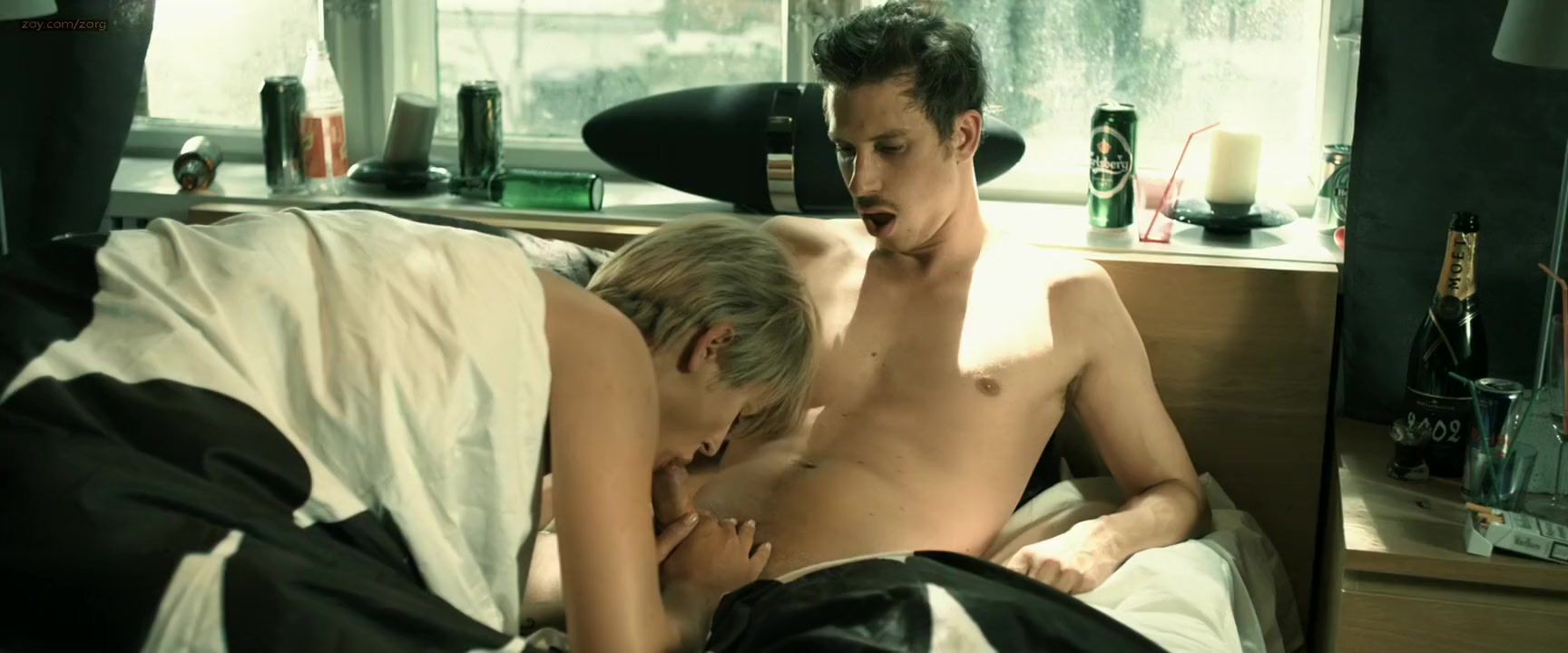 Gitte Witt, Sara Elle & Tina Klafstadbakkenin PornoPung Intense vaginal itching flat sores