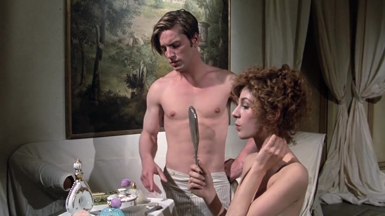 Stefania Casini and Dominique Darel in Blood for Dracula (1974) Nakakahawa ang init ng hookup mo
