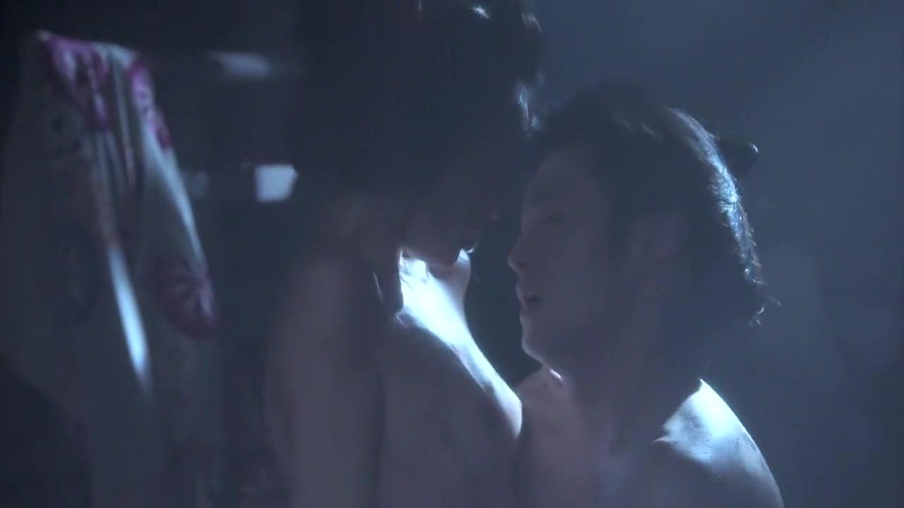 Porn clips Nude milf masturbating