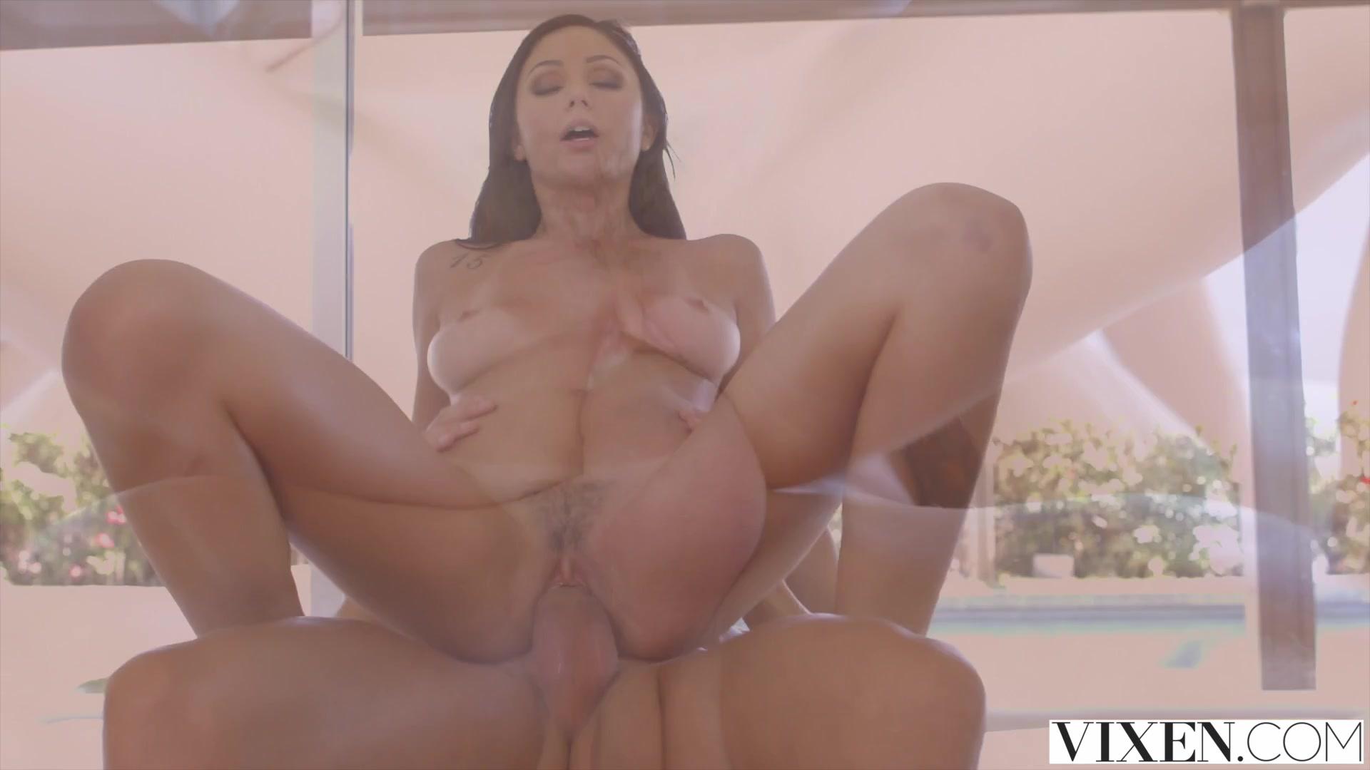 Good Video 18+ Carli banks glamour model