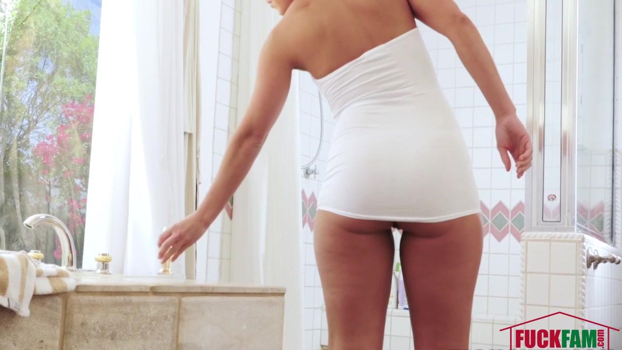Porn Galleries Blonde girl peeing on toilet