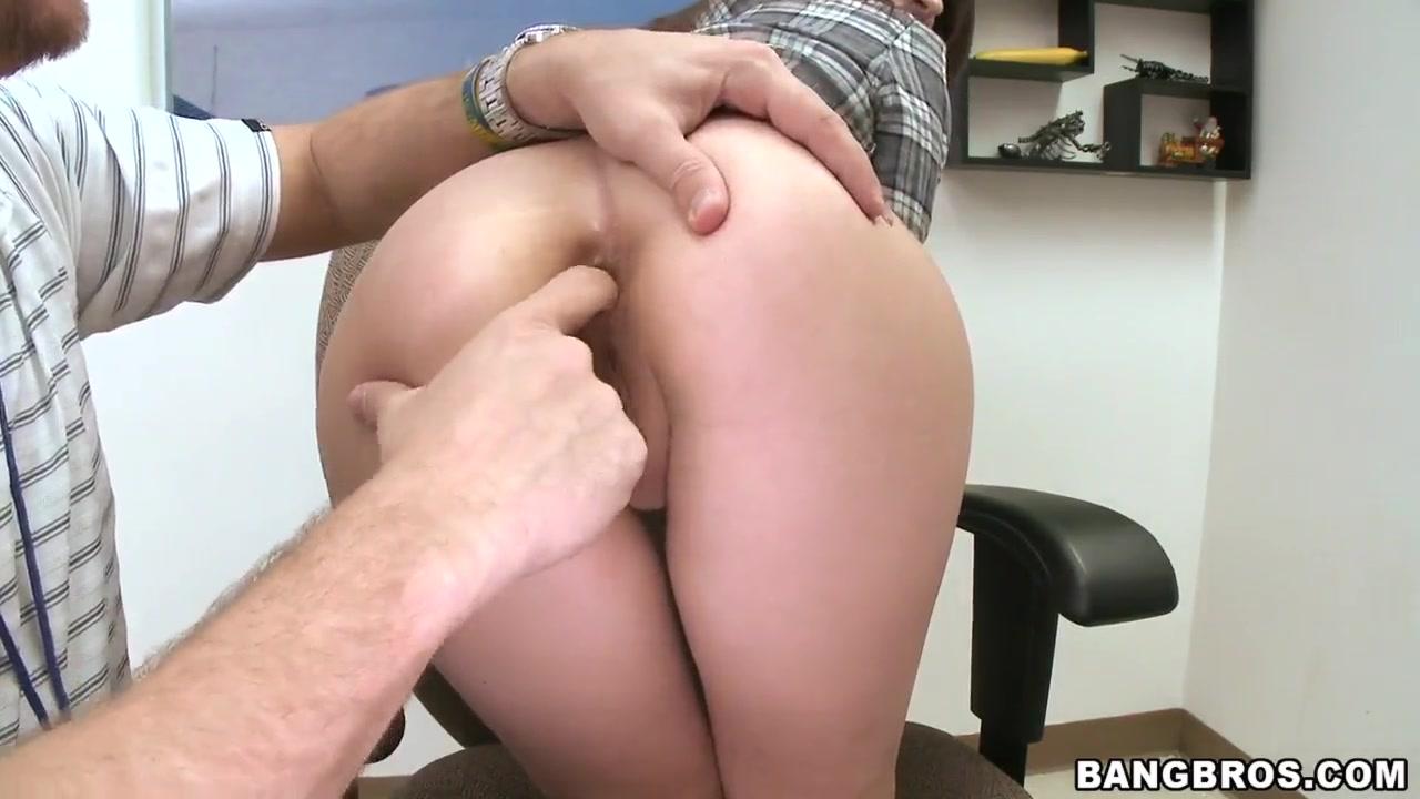 XXX Video Short girl having sex