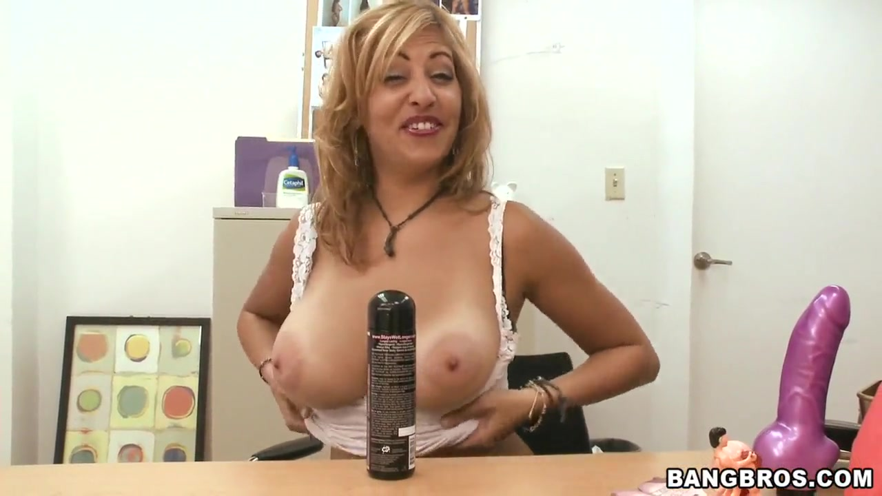 Quality porn British milf gets double fucked