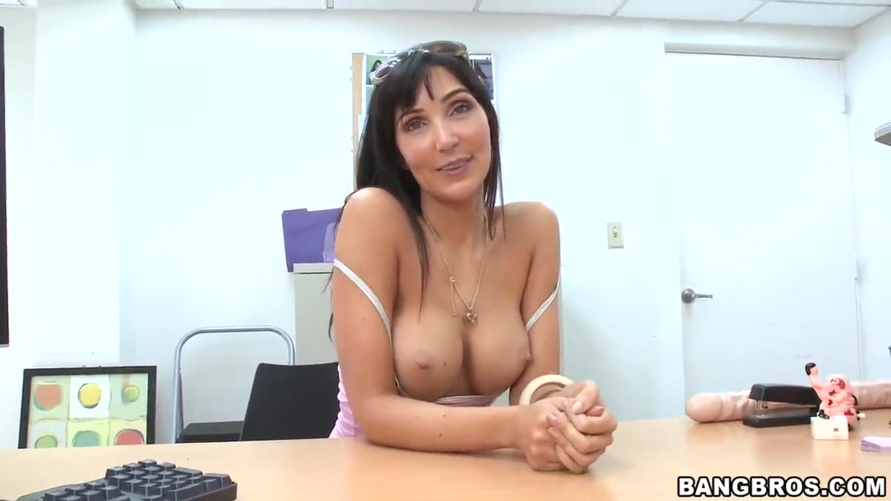 Naked Pictures Veronicajuggs sex chat videos