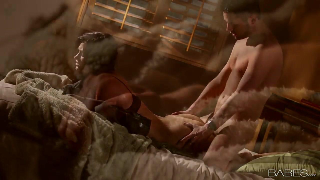 Hot Nude Big natural tits milf gets hardcore fucking