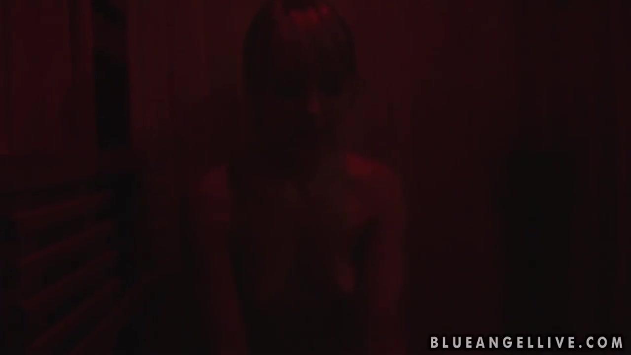 Nude gallery Wtoe online dating