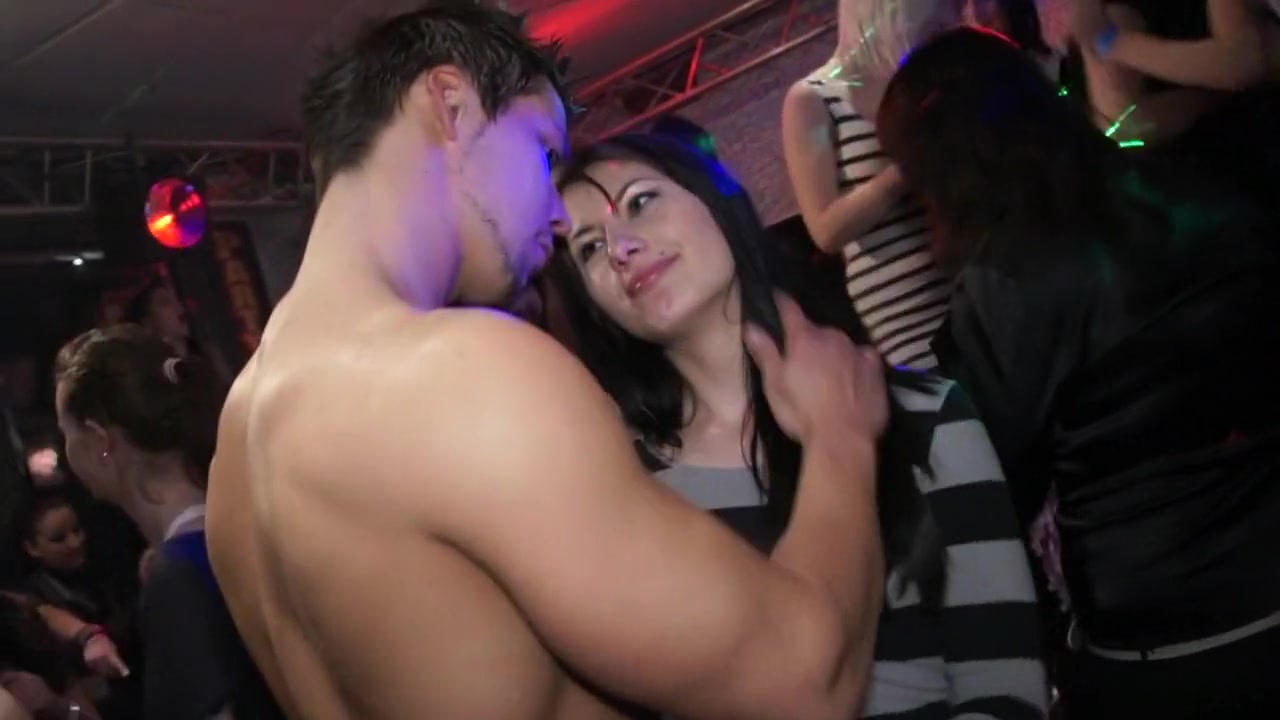 Dating a muslim Naked Gallery