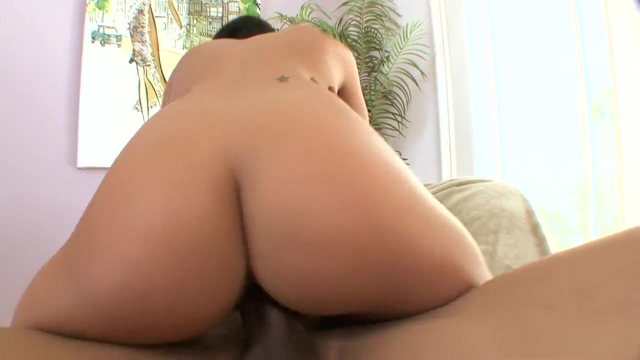 XXX Video Amateur booty milf gets fucked on homemade
