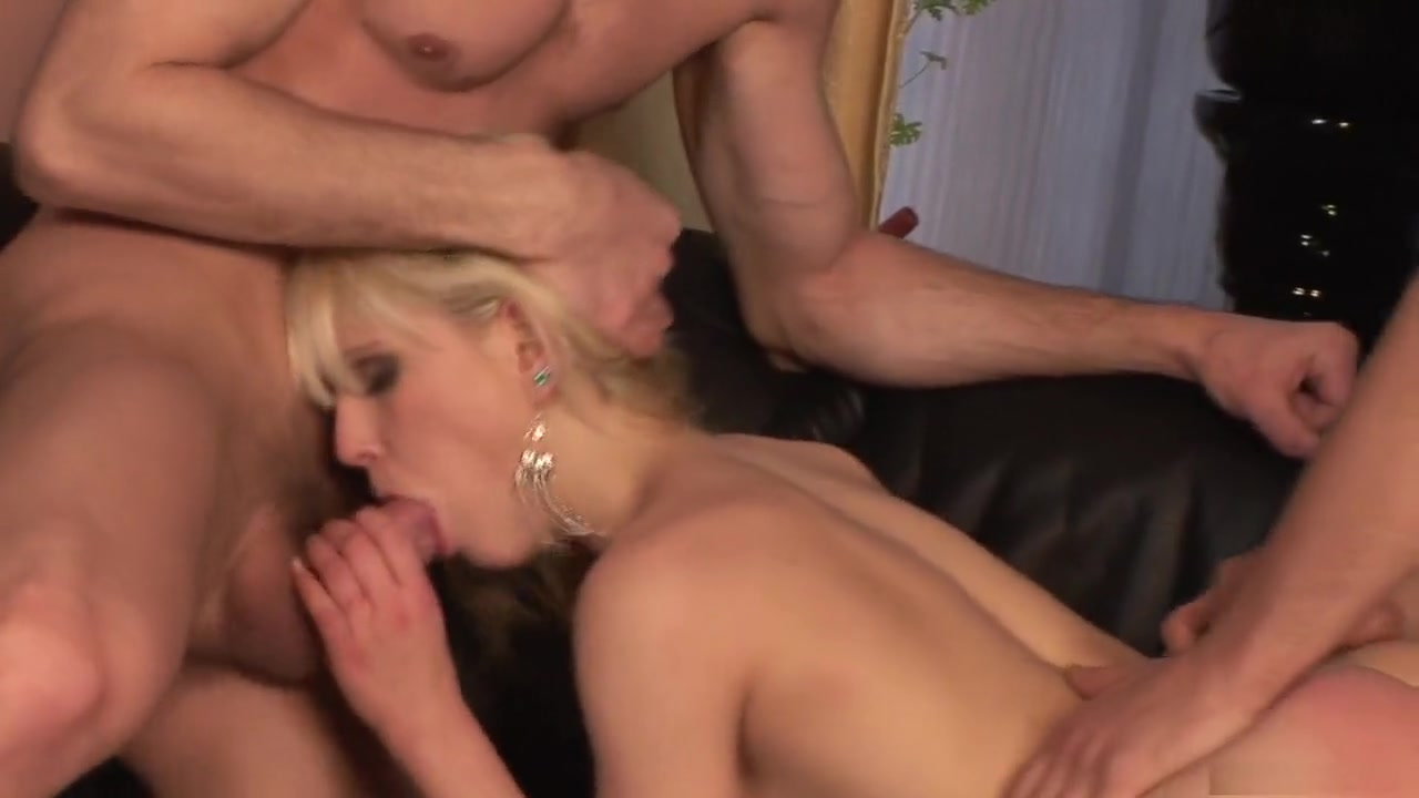 Sex photo Fitting an Entire Cock in her Mouth