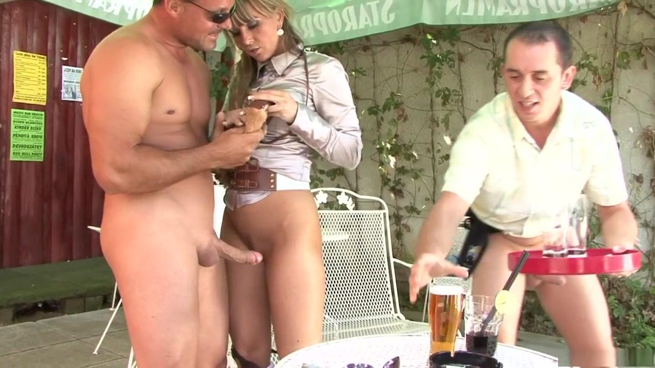Hot Nude Strip club blowjob