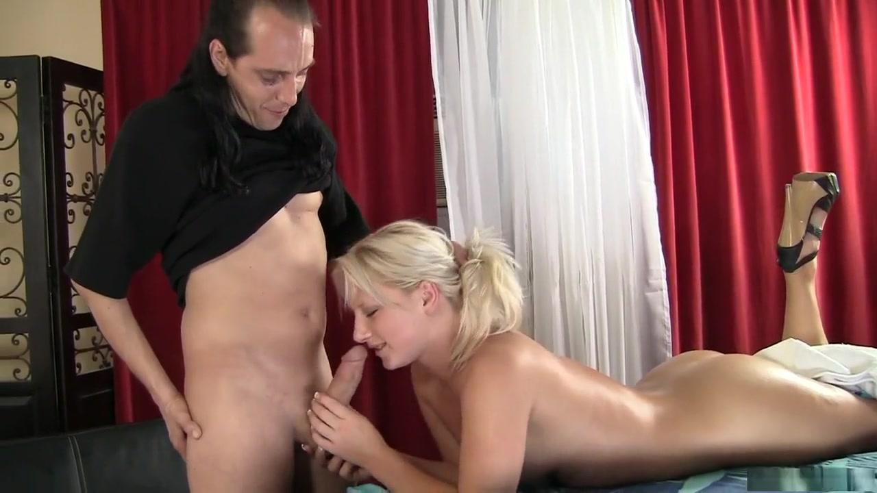 Sexy por pics College girl boyfriend sex