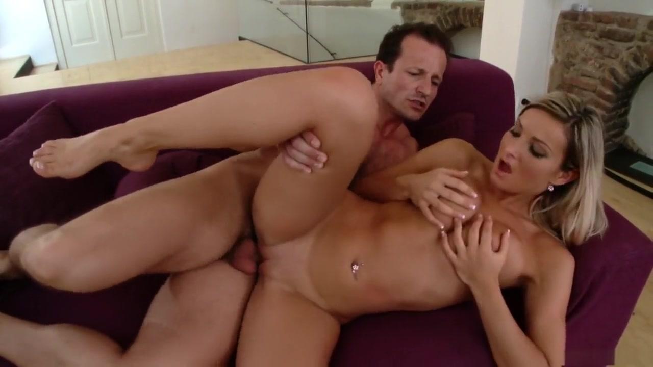 Good Video 18+ Naked women groups women fucking women