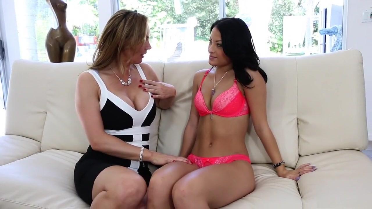 Licking Lingerie lesbion porns