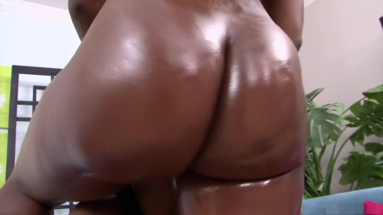 Nude gallery Hot pakistani milf naked