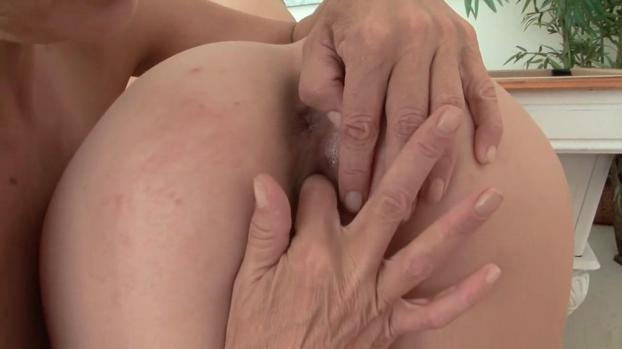 Naked Milf lesbia pornex