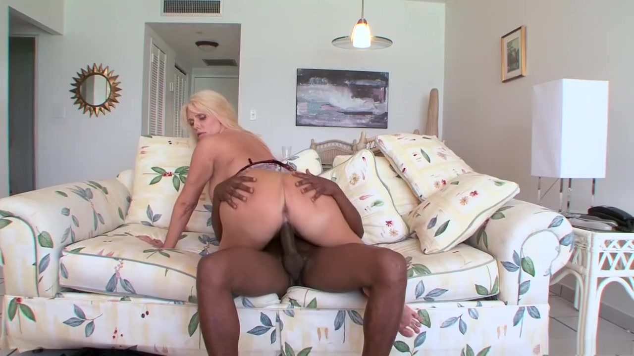 Girl locked out naked Quality porn