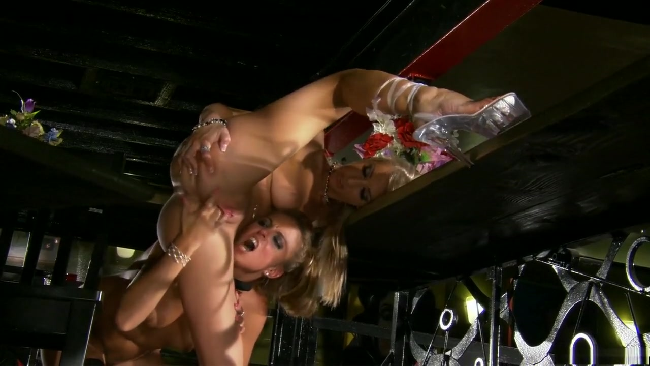 Sexe Latex porn lesbians