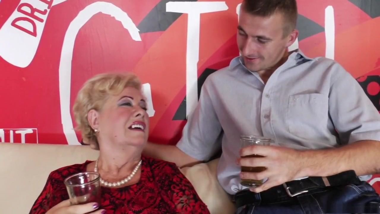 Sexy Photo Ibu ibu dengan bokong besar jav hihi