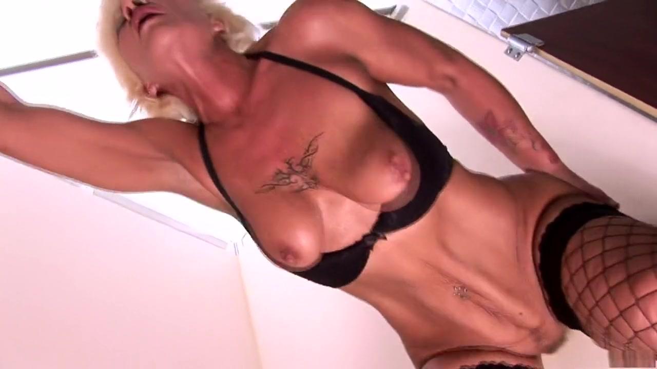 Good Video 18+ Mature senior nudist beach