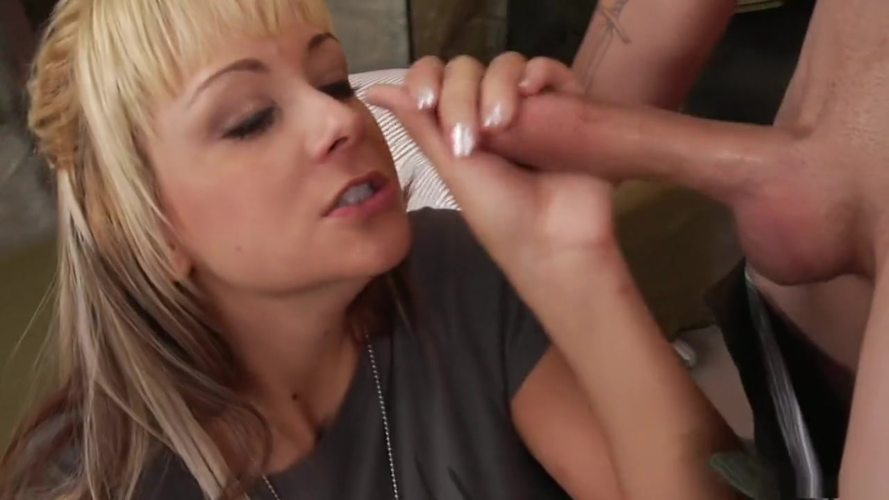 Porn Base Milfs looking for strong dicks