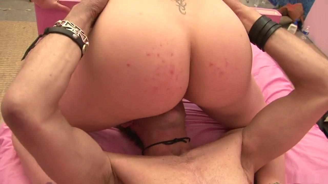 Hot Nude Escort girl in paris