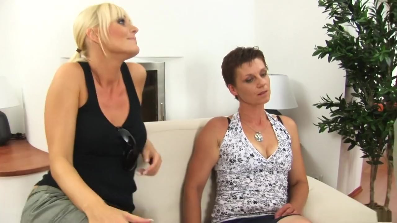 Hot xXx Video My wife masturbates with a massager