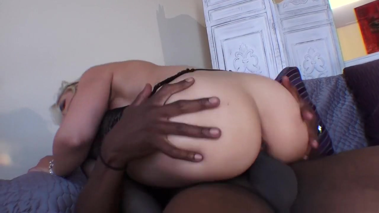 Hot xXx Video Asian milf massage fuck