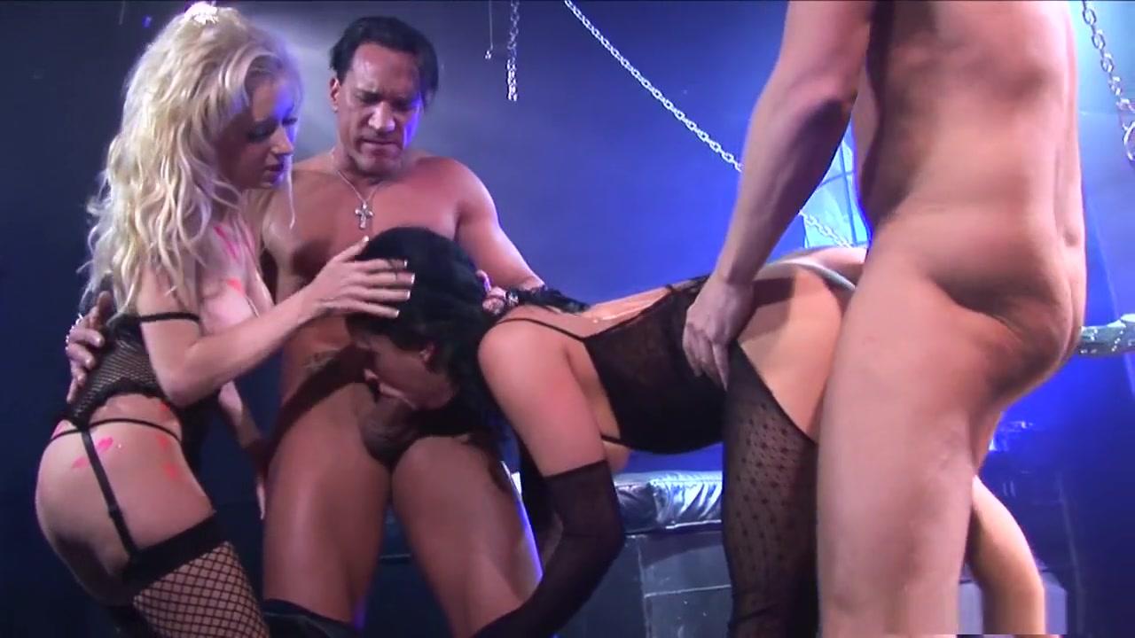 Porn Pics & Movies Where to meet guys in calgary