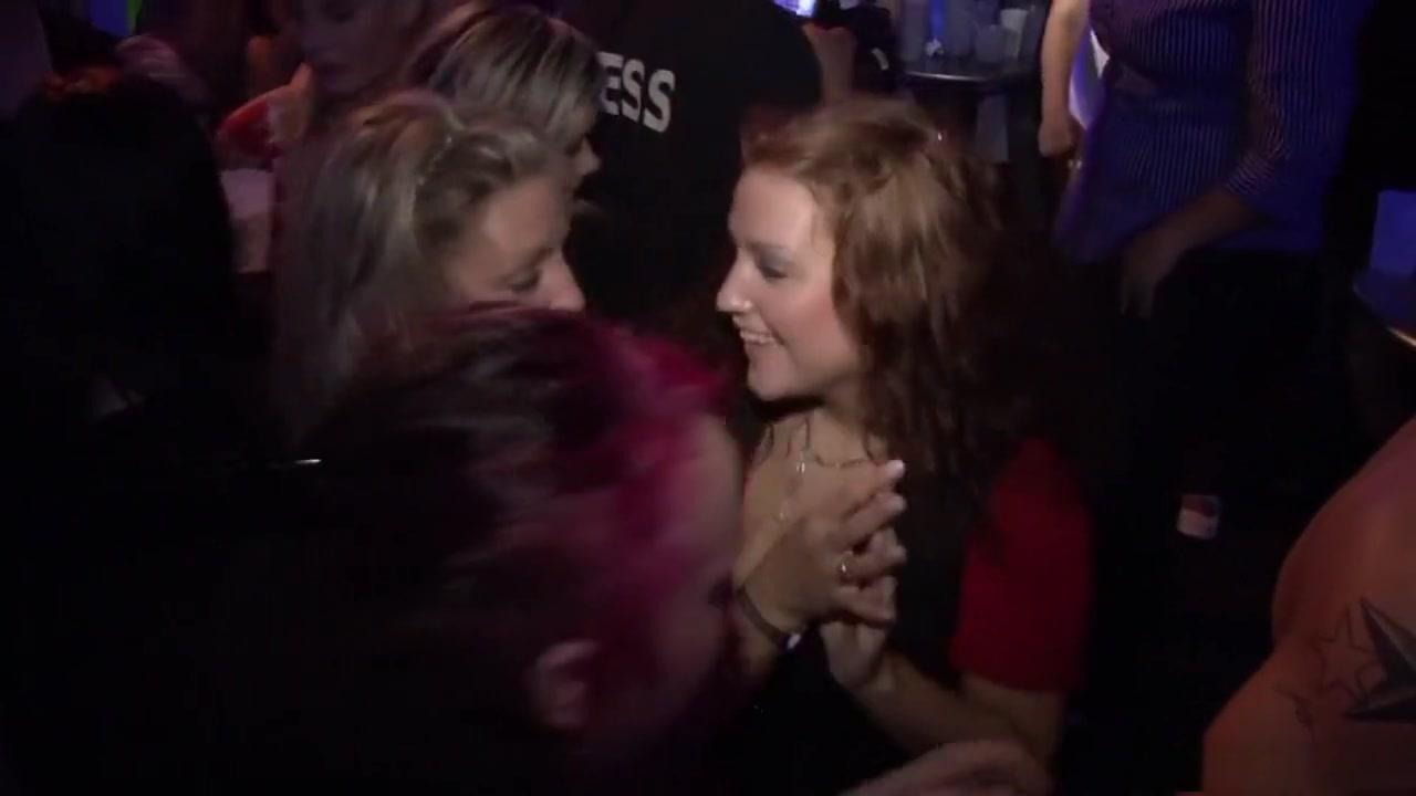 Strapon lesbion sexc porno