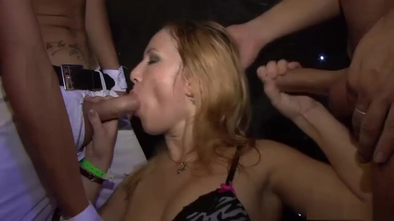 Multitudo latino dating Hot Nude