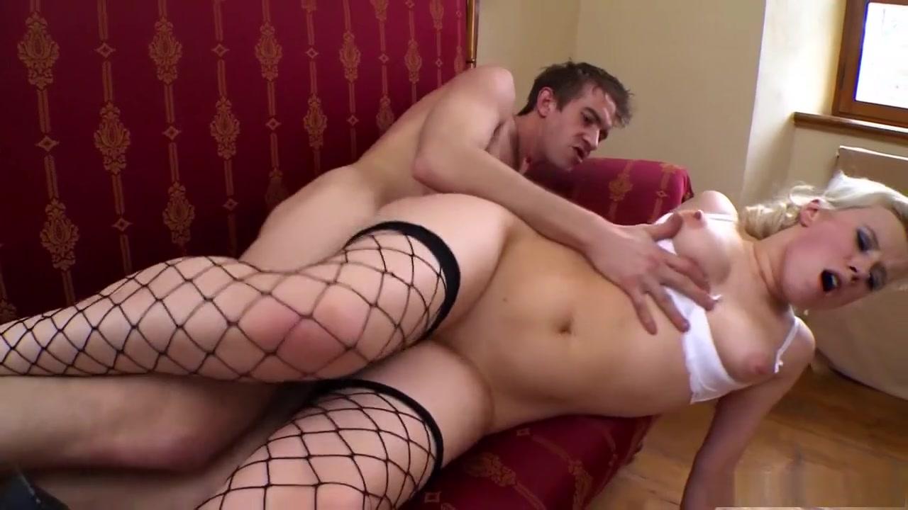 Hot Nude Milf masturbate with didlo