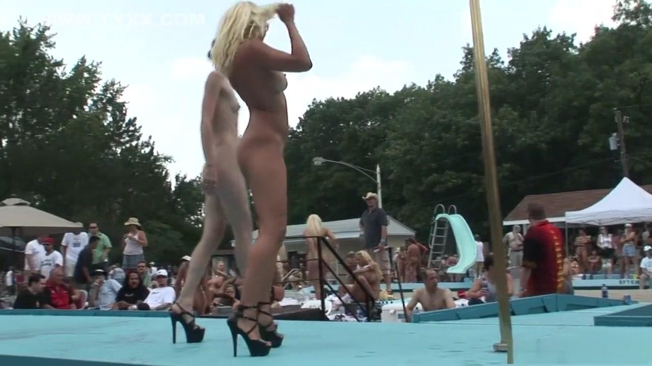 Porn clips Huge tits huge ass bbw ebony fingering