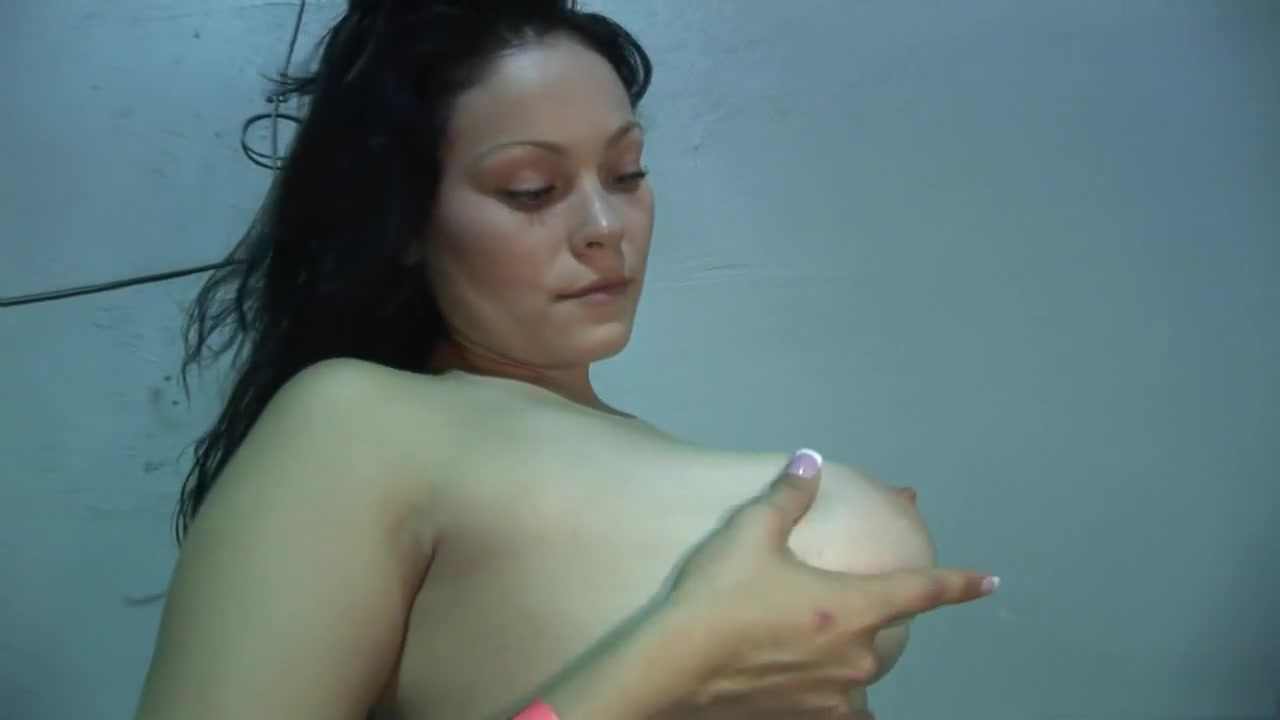 Sucked by mature whore Porn pictures