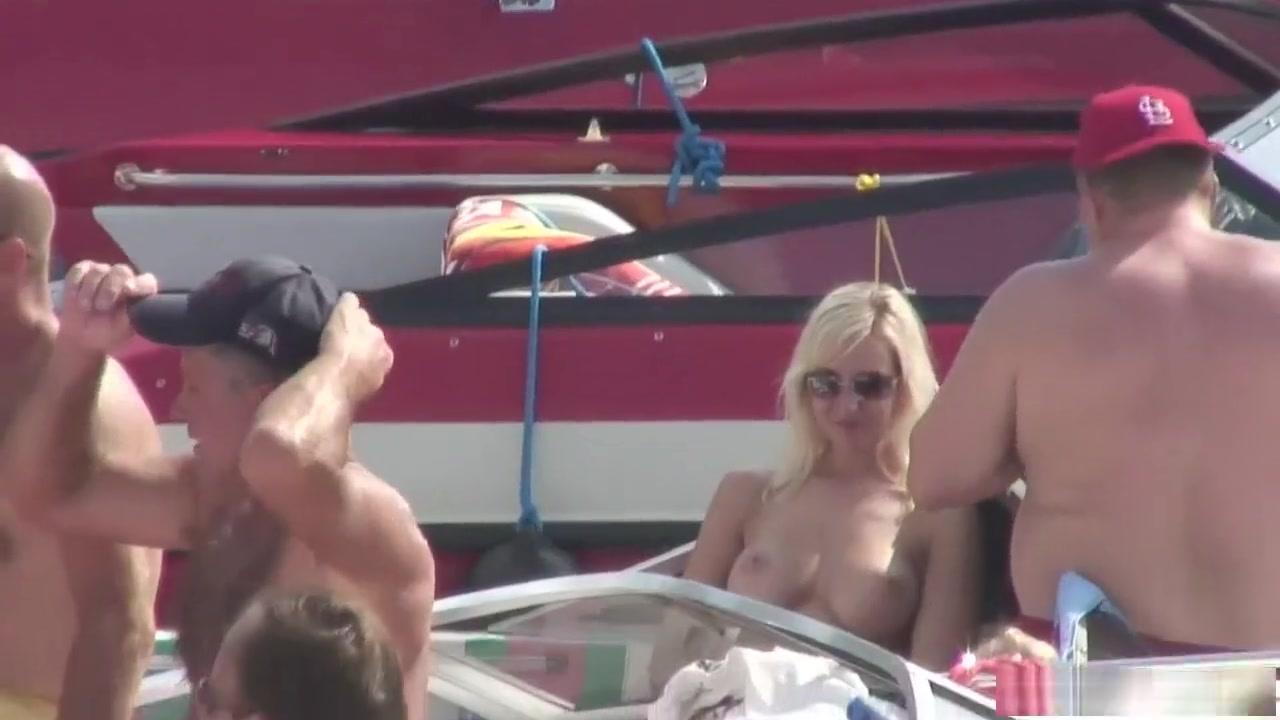 Fuckin pornb Brunettes lesbiab
