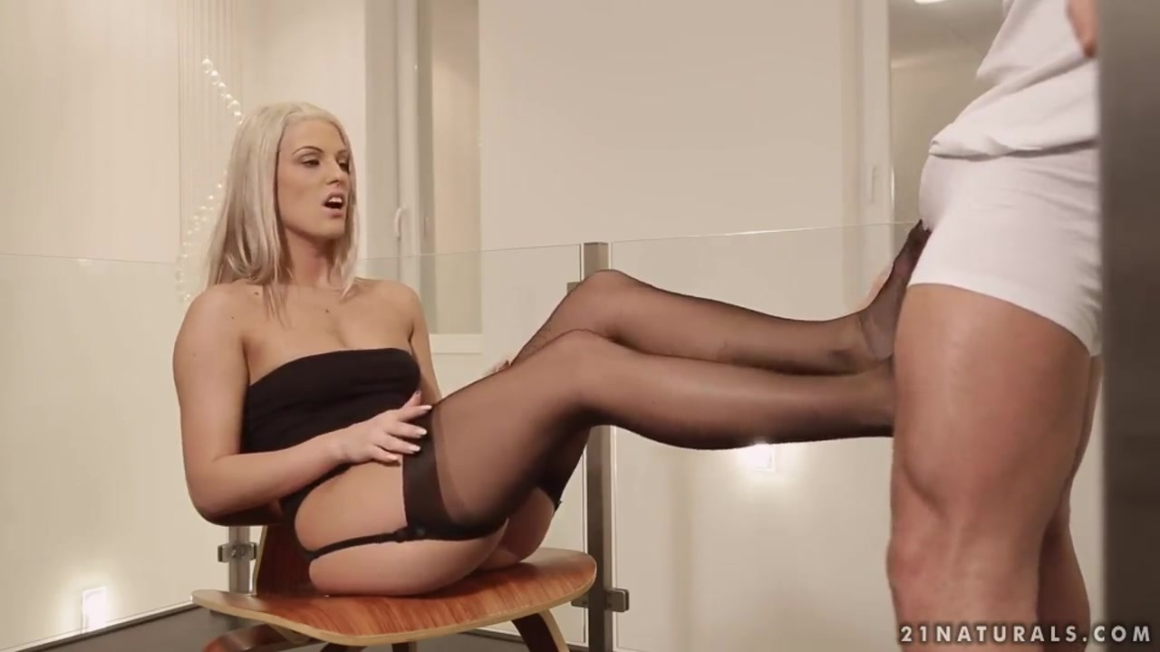 Nude photos Different masturbation techniques for women