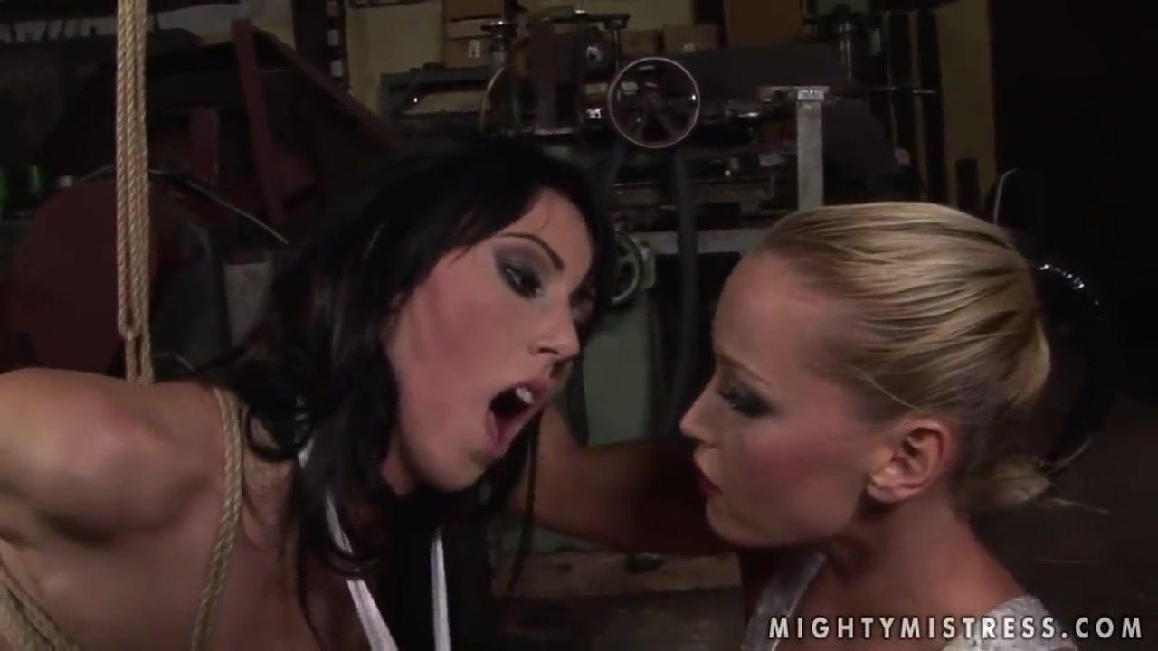 Fuckd fucks Booby lesbianas