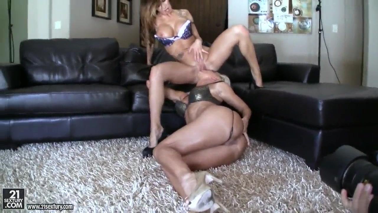 Porn Maid porno lesbea