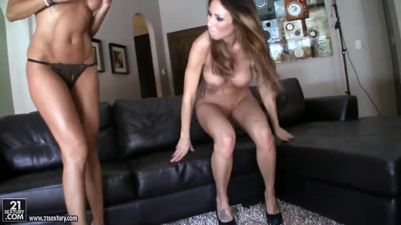 Xxx Small porn lesbien