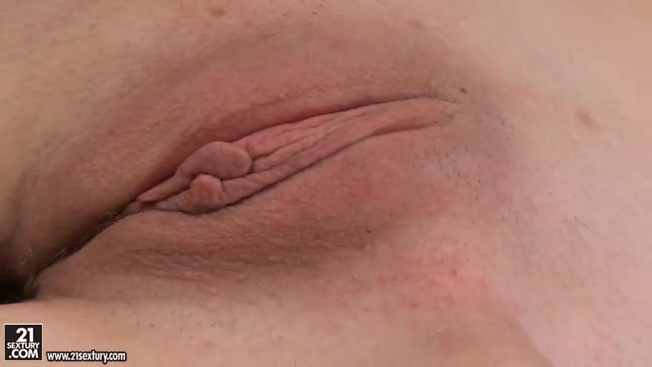 free big tit britain tubes Nude pics