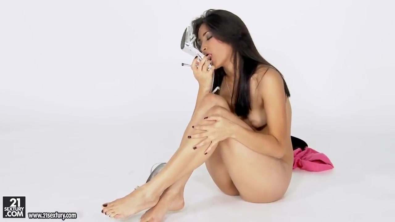 Nude 18+ Kapoor karishma photo sexy