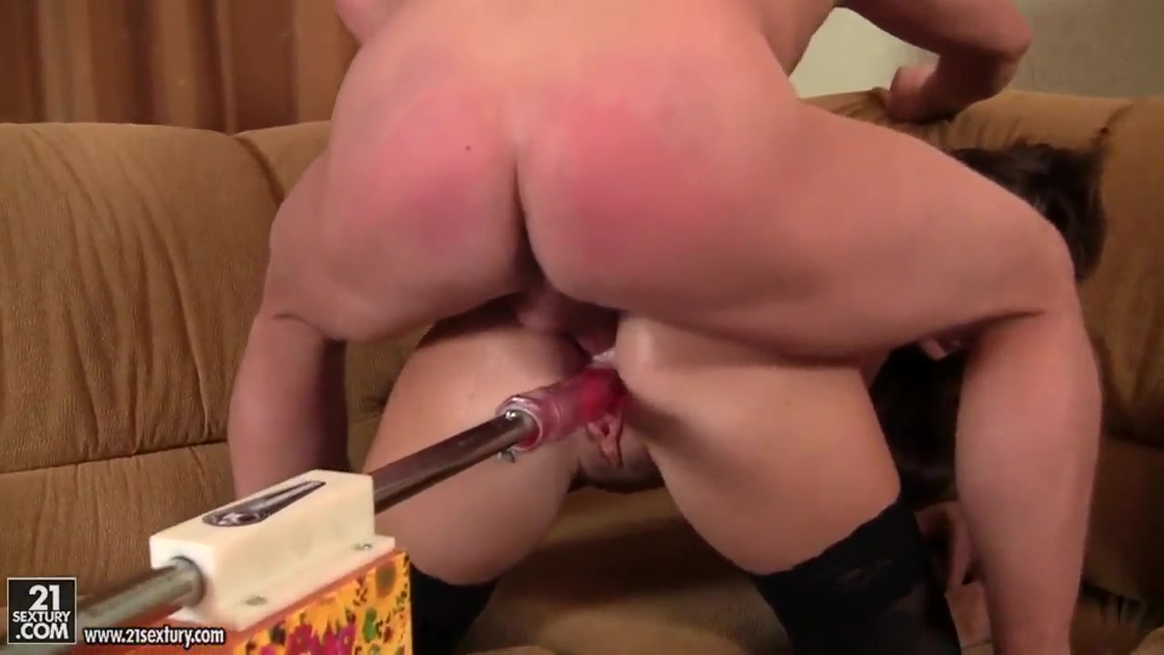 Very small piens fucking a girl s nude photo Nude pics