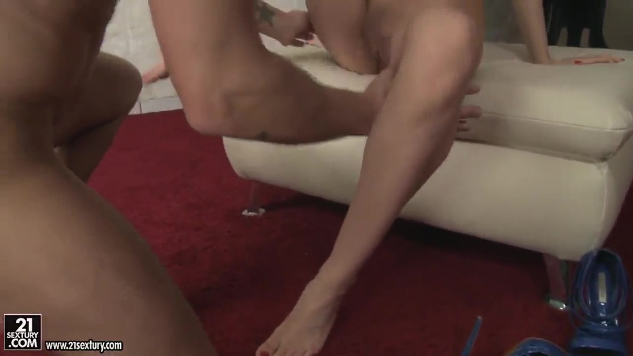 Ebony lesbian pussy licking pics Sexy Video
